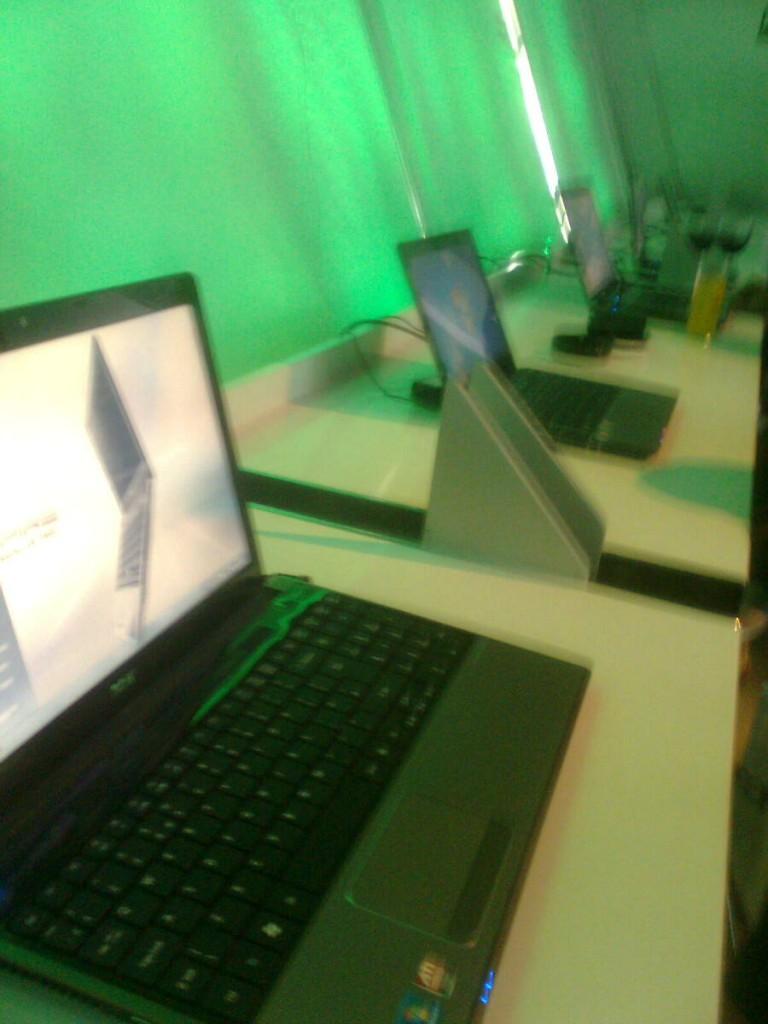 Acer TimelineX
